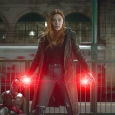 Scarlet Witch is Such a badass< my man is down so I guess it's time to fight Wanda Avengers, Wanda Marvel, Marvel Women, Marvel Heroes, Marvel Avengers, Scarlet Witch Costume, Scarlet Witch Marvel, Elizabeth Olsen Scarlet Witch, Wanda And Vision