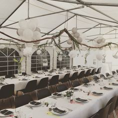 Dekoration til konfirmation – natur tema – Fest Time Marquee Wedding, Tent Wedding, Wedding Guest Book, Rustic Italian Wedding, Ostern Party, Fruit Centerpieces, Seating Plan Wedding, Beach Wedding Inspiration, Whimsical Wedding