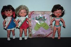 wildebras pop 3 x Kiki en doos met kleding