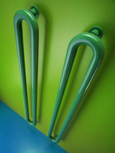 Oggi vi riproponiamo un evergreen di Antrax…  TUBONE di Andrea Crosetta, vincitore di molti premi tra cui: Winner Baneo nel 2006 Oderzo Aziende & Design nel 2006  Compasso d'oro nel 2008 Adi Index nel 2009  http://www.antrax.it/it/products/Griffe~1/TUBONE~25