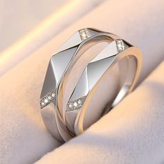 Creative Rhombic Inlaid Cubic Zirconia 925 Silver With Platinum Opening Couple Rings - brilliant rings Best Engagement Rings, Designer Engagement Rings, Vintage Engagement Rings, Engagement Couple, Wedding Ring Finger, Matching Wedding Rings, Matching Couples, Diamond Crown Ring, Diamond Bands