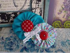 Handmade fabric flower brooch petrol blue yo-yo by FromIrene Fabric Flower Brooch, Fabric Flowers, Holiday Decor, Unique Jewelry, Handmade Gifts, Blue, Etsy, Vintage, Home Decor