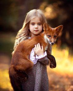 Top 20 Girls with Pet Fox Wallpapers Animal Pictures For Kids, Animals For Kids, Cute Baby Animals, Funny Animals, Jungle Animals, Buffalo Animal, Wild Animals Photography, People Photography, Photography Tips