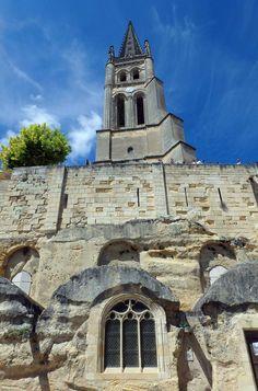 Veja 10 cidades medievais que você não pode perder SAINT-ÉMILION (FRANÇA) Aquitaine, Notre Dame, World, Building, Castles, Travel, Medieval Town, Cities, Pereira
