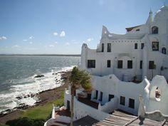 Casapueblo, Punta Ballena, Uruguay   23/04/2011 05:46:08  Ancho2592  Altura1944  Tamaño de archivo2136218  CámaraSONY  ModeloDSC-H50  ISO100  Exposición1/800 s  Apertura5.6  Longitud focal5mm  Latitud34.908669° S  Longitud55.044583° O