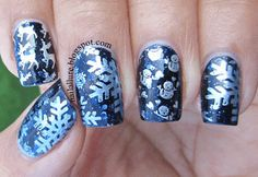 he snowflake images, which I love, are from the MoYou London image plate 03 from the Festive Collection, stamped with Essie Blue Rhapsody. The reindeers on the pointer finger are from the same plate, stamped with Essie No Place Like Chrome. The snowmen are from the image plate GA33 from the Gals Fairy Set also stamped with Essie No Place Like Chrome.