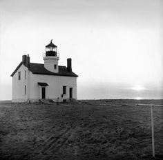 Smith Island lighthouse Smith Island, Delmarva Peninsula, Delaware Bay, Old Churches, Chesapeake Bay, Vacation Spots, Maryland, Lighthouse, Touring