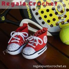 Deportiva tipo converse en rojo #botita #deportiva tipo converse tejidas a #crochet con hilo 100% algodón en color rojo. Para #bebés de 0 a 3 meses, 3 a 6 meses. Personalizables. Hecho a mano. #RegalaPuntoCrochet #handmade