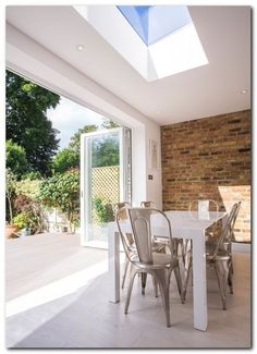 70 Awesome Roof Lantern Extension Ideas - The Urban Interior Kitchen Diner Extension, Open Plan Kitchen, Glass Extension, Extension Ideas, Bifold Doors Extension, Style At Home, White Bifold Doors, Bi Fold Doors, Bi Folding Doors Kitchen