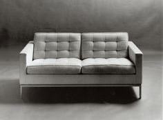 Mid-Century Modern Designers: Settee by Florence Knoll | NONAGON.style