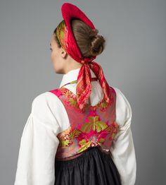 The Vest-Agder folk dress, Norway   Rosa silkevest til Rekonstruert Vest-Agder drakt
