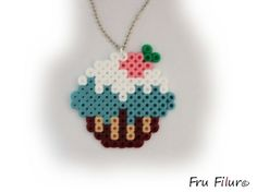 Hama perlerbeads www.frufilur.se    Halsband cupcake