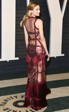 Diane Kruger in a sheer, beaded and fringe Reem Acra gown worn with Sylva & Cie jewels and Jimmy Choo accessories Sexy Dresses, Fashion Dresses, Red Carpet Gowns, Diane Kruger, Fashion Gallery, Red Carpet Fashion, Couture Collection, Mannequins, Dress To Impress