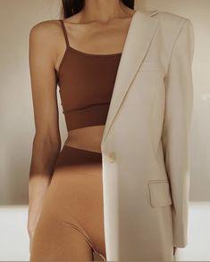 Look Fashion, Fashion Outfits, Womens Fashion, Fashion Trends, Travel Outfits, High Fashion, Fashion Belts, Clothing Photography, Fashion Photography