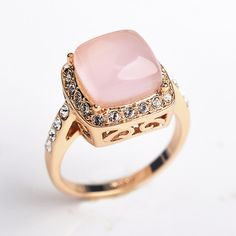 Bague or rose opale