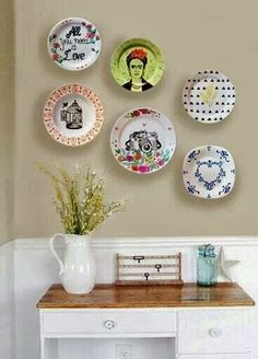 56 Ideas For Wall Decored Diy Dining Room Hanging Plates Hang Plates On Wall, Plate Wall Decor, Hanging Plates, Cocina Shabby Chic, Deco Boheme, Dining Room Walls, Wall Design, Booth Design, Decorative Plates