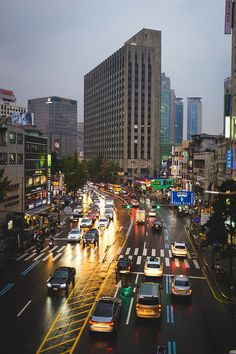 Seoul,Korea -I don't know if my heart can take many more pictures of cities South Korea Photography, Korean Photography, Street Photography, South Korea Seoul, South Korea Travel, Korean Aesthetic, City Aesthetic, The Beautiful Country, Beautiful Places