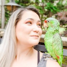 Isn't he just precious. He is my best friend and will be with me until the end. He is with me everyday. He picks me up when I'm feeling down. He even sings to me.   Show me your best friend   . Marketing Training, Sing To Me, Pet Home, Animal House, Parrots, Lilac, I Am Awesome, Birds, Pet Store