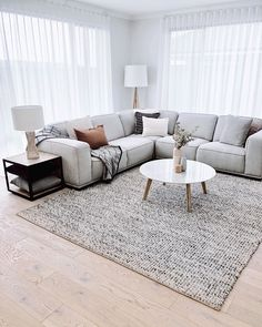 Fancy Sofa Design Ideas For Minimalist Living Room To Try – Indian Living Room Design Ideas, Inspiration & Images Simple Living Room, Living Room Grey, Home Living Room, Living Room Decor, Modern Living, Living Room Sofa Design, Room Furniture Design, Living Room Designs, Ikea Living Room Furniture