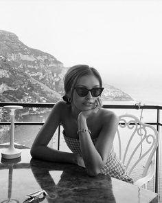 plaid dress, summer look, cool sunglasses Black And White Aesthetic, Black N White, Black And White Instagram, Foto Casual, Insta Photo Ideas, Jolie Photo, Foto Pose, Summer Pictures, Summer Aesthetic