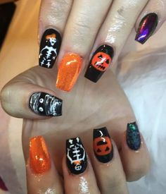 "13 Likes, 1 Comments - Lorna Ní Mheachair (@lornzii) on Instagram: ""When you force them into Halloween nails . . . #nailfie #nailart #halloweennails #skeleton…"""