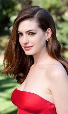 #AnneHathaway New Upcoming Movies List