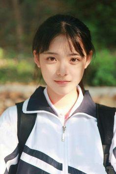 School girl shared by Tsang Eric on We Heart It Cute Asian Girls, Beautiful Asian Girls, Pretty Girls, Cute Girls, Beautiful Women, Poses, Levi X Eren, Cute Girl Face, Kawaii Girl