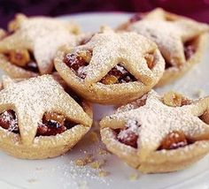 English Mince Pies:  This little sweet pies of the British Christmas tradition are use to be left nearby children's stockings along side a bunch of carrots and a glass of brandy to thanks Father Christmas for his generosity.