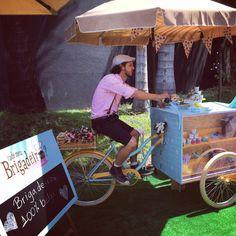 Bom dia!   Já ouviram falar dos food trucks?   Agora a moda também é as Food Bikes, na onda das comidas sobre rodas.   Com o grande crescime...