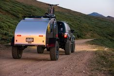 The Timberleaf Pika Teardrop Camper Trailer is a new offering from the highly-regarded Colorado-based company, designed to be one of the lightest and most Off Road Teardrop Trailer, Teardrop Trailer Interior, Teardrop Camping, Teardrop Caravan, Airstream Interior, Expedition Trailer, Overland Trailer, Expedition Vehicle, Best Trailers