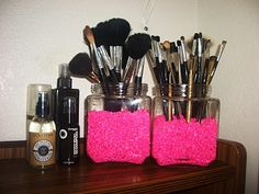 fish tank gravel + jars = brush holders...easy!