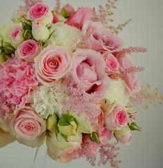 bouquet de mariée rose pastel, fleurs rose poudré