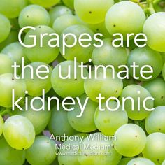 Hypothyroidism Diet - Grapes Thyrotropin levels and risk of fatal coronary heart disease: the HUNT study. Tomato Nutrition, Health And Nutrition, Health And Wellness, Health Tips, Health Vitamins, Natural Health Remedies, Natural Cures, Natural Healing, Frankincense Oil Uses
