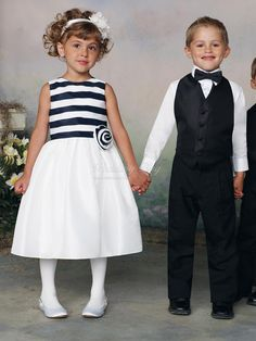 Jewel Neck Black White Organza A Flower On The Waist Junior Bridesmaid Dress on sale