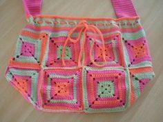 love the colours Easy Crochet Blanket, Love Crochet, Crochet Granny, Crochet Stitches, Knit Crochet, Crochet Hats, Crochet Ideas, Knitted Bags, Knitted Blankets