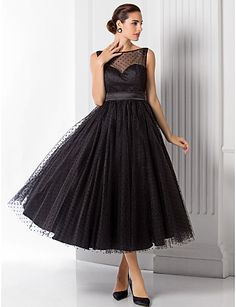 A-line/Princess Bateau Tea-length Tulle Evening Dress