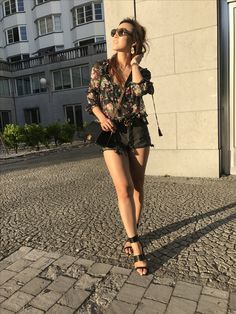 Summer Evenings // Dark Floral | Get This Look Here: https://www.firstandseven.com/fashion/summer-evenings-dark-florals Summer, Look, Streetstyle, style, styletip, Cool, Summer, Pink, Blue, Hues, Summer Fashion, Fashion, Trends, Style, Streetstyle, Lifestyle, Blog, Design, Color, Inspo, Inspiration, Trending, Accessories, Season, SS 2017, SS17, HowTo, Whattowear, Howtowear, WhatIWore, American, Europe,Shop,