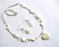 Sidef si cristale, set bijuterie colier si cercei 16688 - idei cadouri femei Pearl Necklace, Pearls, Jewelry, String Of Pearls, Jewlery, Jewerly, Beads, Schmuck, Pearl Necklaces