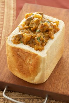 The Best of South African Food: Bunny Chow, Durban, South Africa South African Dishes, South African Recipes, Indian Food Recipes, Africa Recipes, South African Bunny Chow, Lamb Recipes, Curry Recipes, Cooking Recipes, Oven Recipes