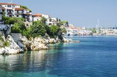 8 days Greece tour is not so long to visit all the most beautiful places but you will have really interesting experience in the most highlights in Greece.