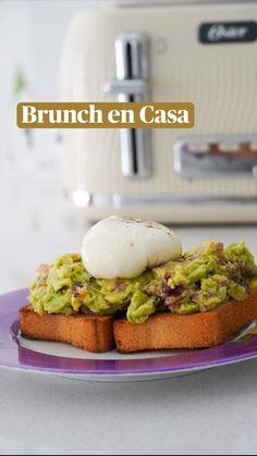 Breakfast Desayunos, Avocado Toast, Eggs, Healthy Recipes, Gluten, Food, Guacamole, Ideas, Vegetarian Recipes