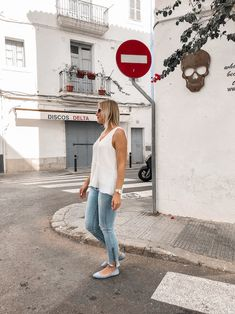 Frühsommer-Outfit-Alice-Christina-Blog-15 Bluse Outfit, Denim Look, Ballerinas, Streetstyle, Outfits, Alice, Blog, Fashion, Sporty Chic