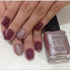 Estou apaixonada por essa combinação! Esmalte: Mauve Urban da Colorama Rosa Crystal da Avon! ⭐️⭐️ Trabalho top de lindo das @meninasdosalao!