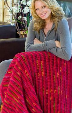 Love & Kisses Throw Free Crochet Pattern from Red Heart Yarns