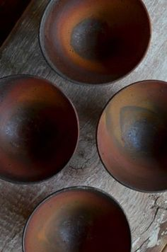 Have a look at this intersting japanese pottery - what a very creative project Japanese Ceramics, Japanese Pottery, Modern Ceramics, Wabi Sabi, Pottery Bowls, Ceramic Pottery, Thrown Pottery, Slab Pottery, Ceramic Plates