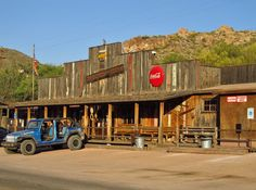 Dining doesn't have to be boring. These wacky restaurants in Arizona will show you that meal time can—and should—be a blast.