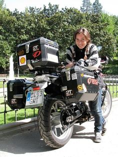 Alicia Sornosa  45.000 kms arround the world alone!!!! You are my heroine!!!!