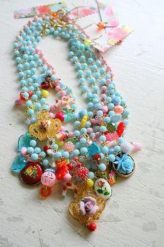 Leuke kleuren combinatie. - shabby chic boho beaded necklace - lovely!
