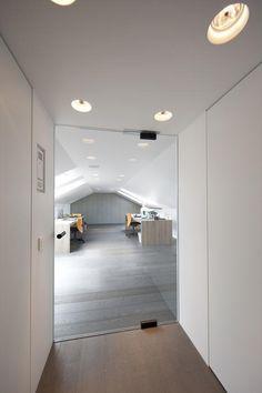 Internal Doors, Architectural Elements, Minimalist Decor, Architecture, Windows And Doors, Door Handles, New Homes, Flooring, Glass Doors