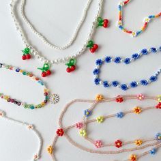 Diy Beaded Necklaces, How To Make Necklaces, Handmade Necklaces, Handmade Jewelry, Beaded Jewelry Designs, Bead Jewellery, Necklace Designs, Pulseras Kandi, Cute Jewelry